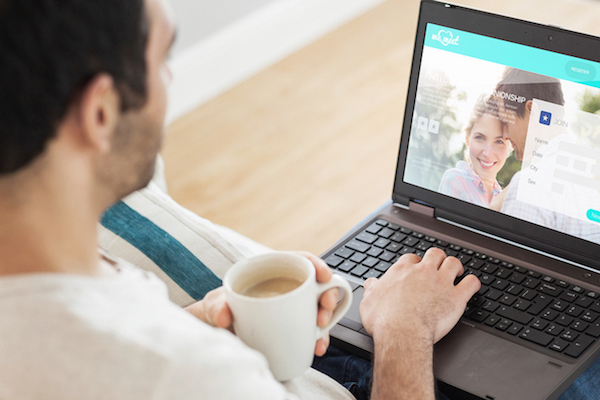 Making the first move online dating