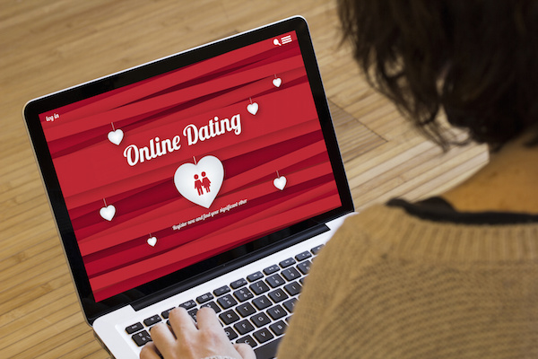 Dating websites red flags