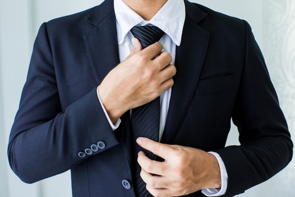 How-To-Build-A-Mans-Business-Suit-Wardrobe