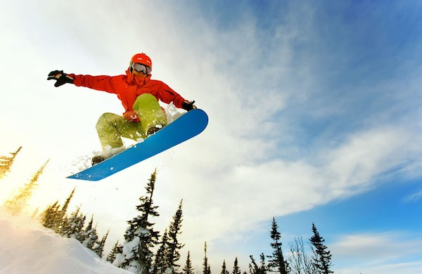 Why-You-Should-Free-Yourself-From-Everyday-Stress-and-Go-Snowboarding