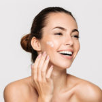 4 Useful Skin-Care Tips for Middle-Aged Women