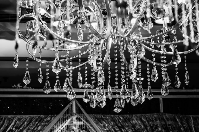 Home-Decor-Tips-That-Will-Make-You-Feel-Like-a-Celebrity-chandelier