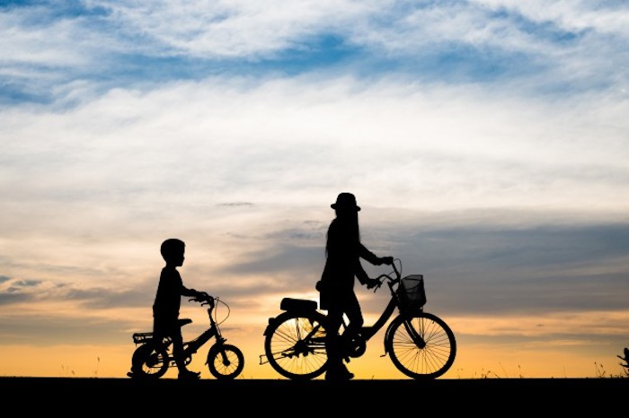 Outdoor-Family-Activities-You-Should-Revisit-bicycle