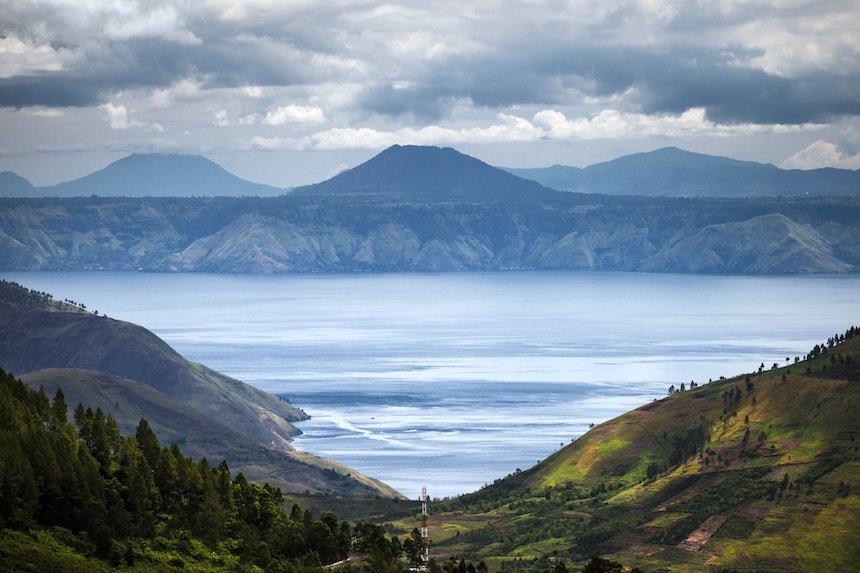 5-Reasons-Why-Indonesia-Equals-Paradise-anne-cohen-writes-acw-travel-lake-toba