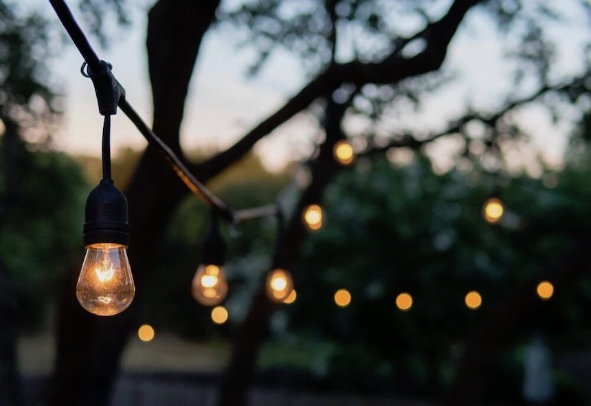 7-Amazing-Outdoor-Lighting-Ideas-to-Inspire-You-anne-cohen-writes-acw