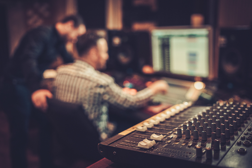 Advantages-of-Preferring-a-Professional-Recording-Studio-acw-anne-cohen-writes